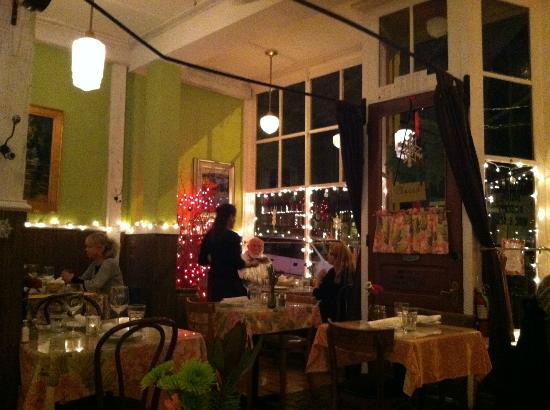 Sweet Laurette Cafe and Bistro: The dining room