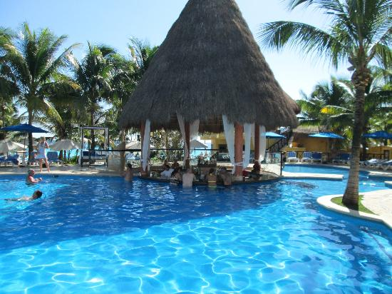 The Reef Playacar Pool