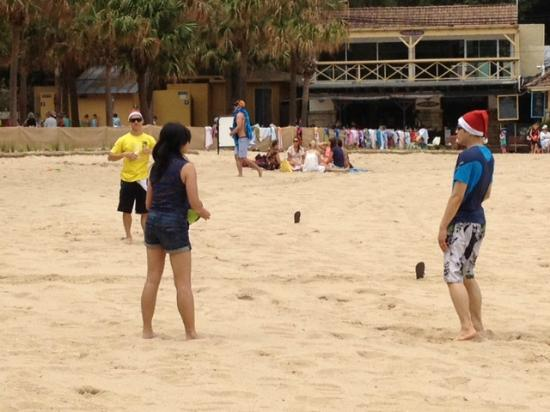 Shelly Beach: Beach Volley Ball at Christmas Time...Check out the Hats.