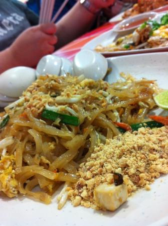 "‪ذا بيريود براتونام: if u never try the ""Phad Thai"", u've never been to Thailand :P
