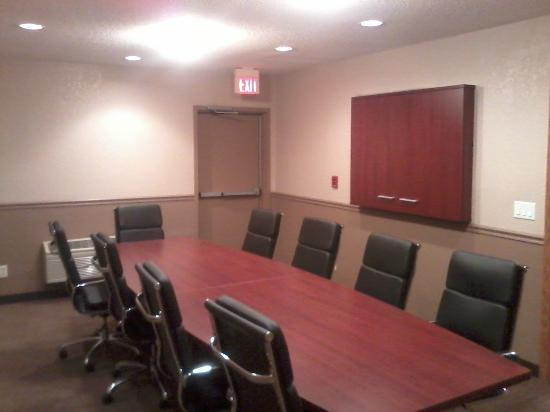 Rodeway Inn: Newly Redocorated Conference Room/Business Center