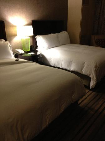 Hilton Americas - Houston: Double room on executive floor