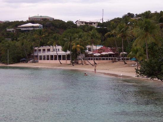 Secret Harbour Beach Resort: Dive shop, restaurant and bar