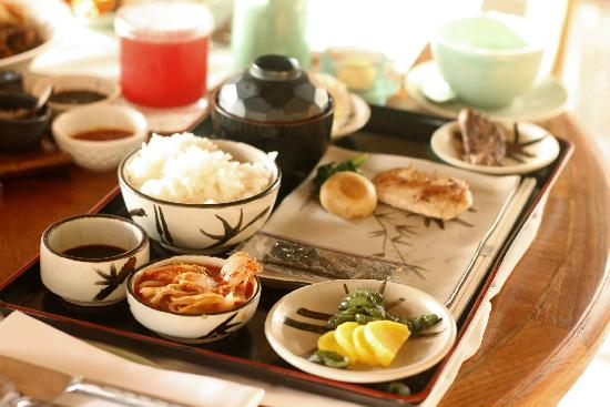 Four Seasons Resort Bali at Jimbaran Bay: korean breakfast