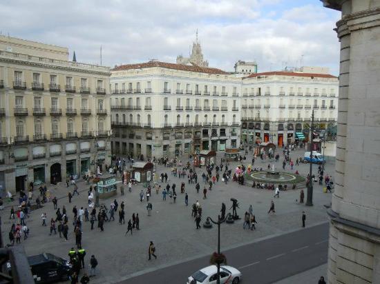 Hostal Riesco Puerta del Sol: Vista dal Balcone della camera