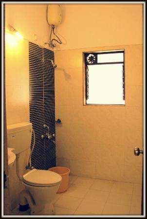 Patodia Estate: Bathroom