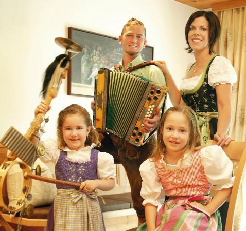 Alpenperle Apart-Garni: Ihre Gastgeber Familie Rieser