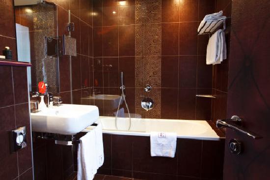 Hotel Edouard 7: Salle de bains