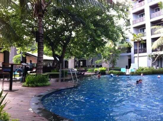 Pullman Bali Legian Nirwana: ground floor pool