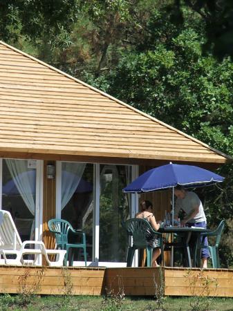 Camping Le Moustoir : Chalet mezzanine extérieur