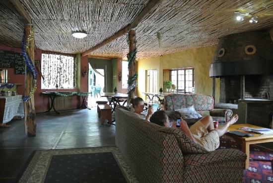 Backpackers Paradise & Joyrides : Breakfast/ Internet room