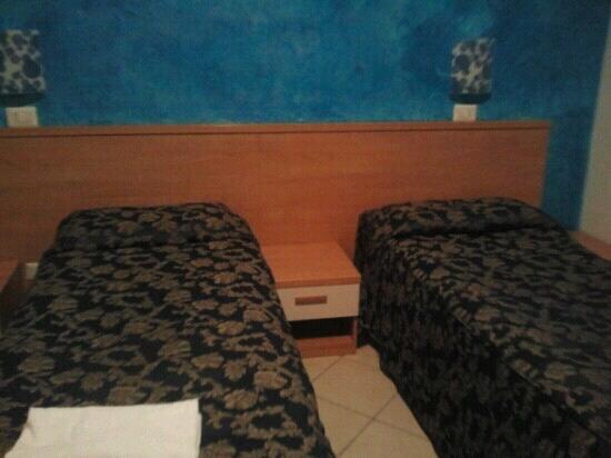 Hotel Demo: lettini micro