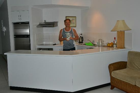 Beach Terraces: Kitchen