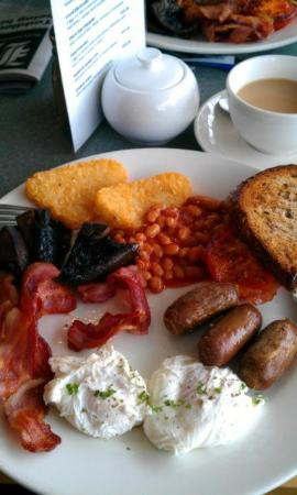 Quest Auckland Serviced Apartments: The big breakfast!
