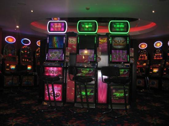 Mecca Bingo: Amusement area