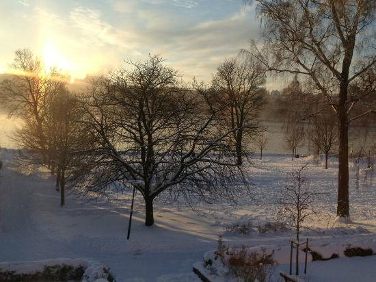 Hotel Skeppsholmen: Morning view from the bedroom