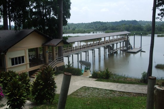 Jerantut, Malaysia: Tasek Bera jetty