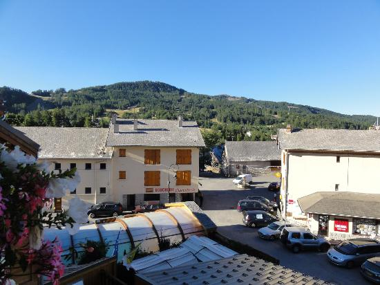 Hotel Les Autanes : vue de la chambre