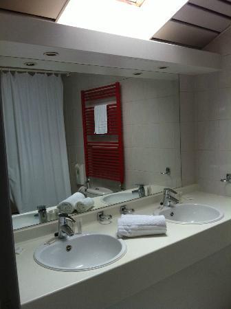 Eurotel Lanaken - Different Hotels : Salle de bain