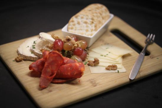 Zabroso Restaurant: Spanish Meats & Cheese Sampler