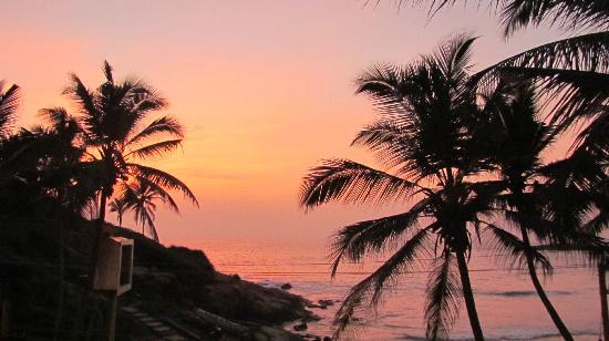 Sea Flower Beach Resort: sunset
