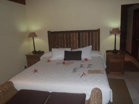 Cerf Island Resort: Main Bedroom - herrlich gross!