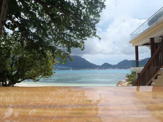 Cerf Island Resort: Wasserdichte Kamera macht es möglich - Bild aus dem Pool.
