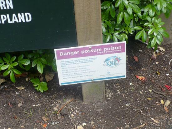 Wellington Botanic Garden: one unusual Notice!