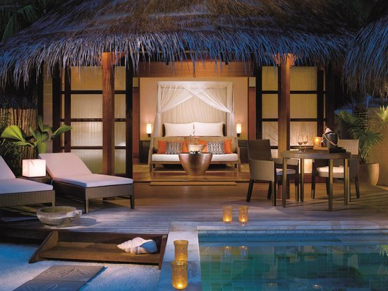 Four Seasons Resort Maldives at Kuda Huraa: Beach Bungalow
