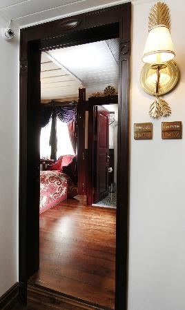 Premist Hotel: Hallways