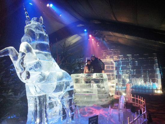 Magic ice kingdom hyde park