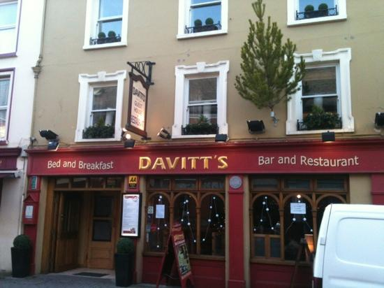 Davitts Kenmare Guesthouse: lovely accommodations!!