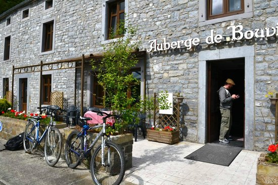 L'Auberge de Bouvignes: Our bikes Vincent let us borrow for the Abbey