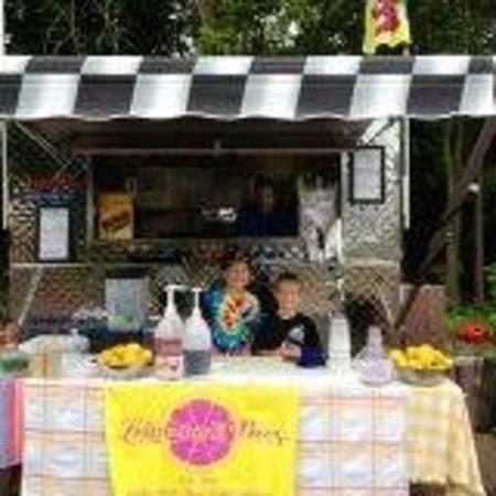 Love Hot Dog Company: Love Hot Dog Co & The Lemonade Brothers