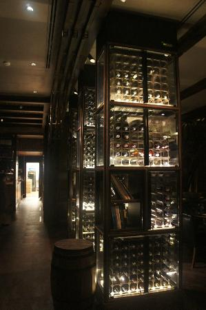 Hotel Muse Bangkok Langsuan - MGallery Collection: Wine shelf