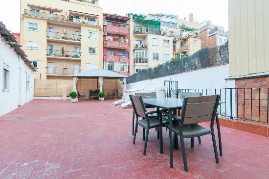 Pintor Pahissa Rooms: Terraza Solarium de 200 m2 con WIFI