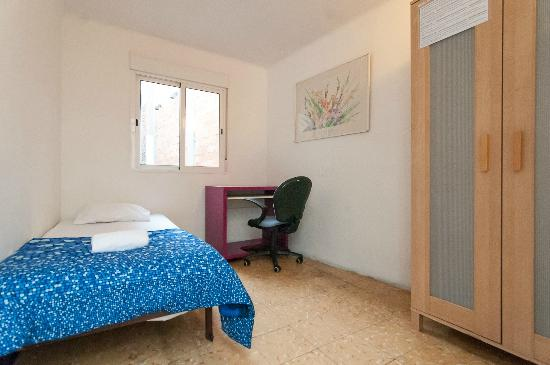 Pintor Pahissa Rooms: Habitación Individual luminosa con WIFI