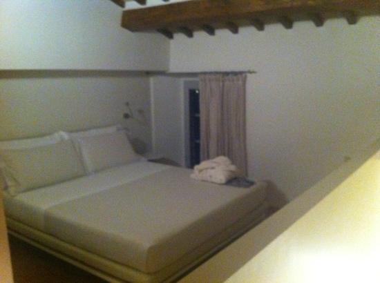 Nun Assisi Relais & Spa Museum: letto