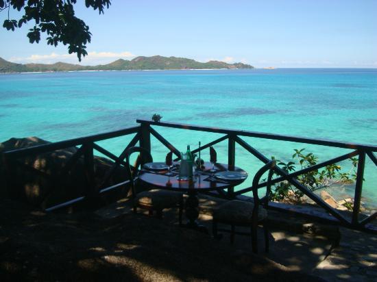 Chauve Souris Relais: altro tavolo dove mangiare con vista sul parco marino