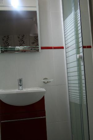 Hôtel Bel Air : salle de bains