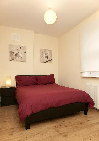 Camden Place Apartments: Bedroom