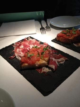 Eyre Brothers: jamon