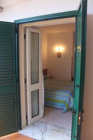 Ravello Rooms: не просто двери, но и жалюзи