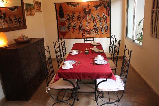 Riad Limouna: La salle à manger
