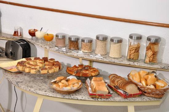 Pousada Porto Fino 2 : Café da Manhã