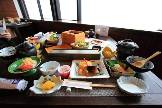 Kozantei Ubuya: Japanese style breakfast