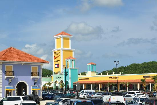 Barceloneta, Пуэрто-Рико: Puerto Rico Premium Outlets