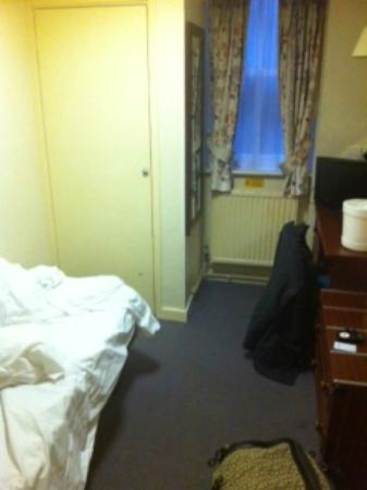 Bayswater Inn: The room was in the basement and was described as 'stylish'