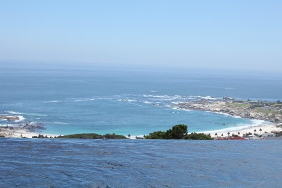 Atlanticview Cape Town Boutique Hotel:                                     Uitzicht op Camps Bay