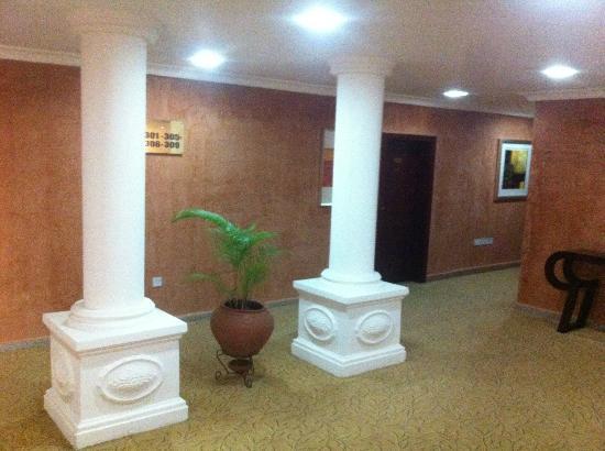 تشيلسي هوتل - سنترال آريا: The hallways 